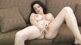 Video of busty mature Stacy Ray playing with her wet fuck hole