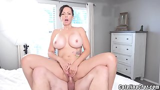 Catalina Cruz - Juicy Housewife Catalina Cruz Bounces Ass Fucking Cock