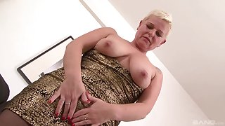 Dirty mature DD drops her panties to have sex with a black man