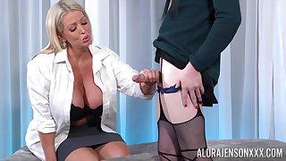 Shemale ass fucks chubby ass cougar MILF