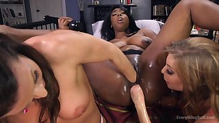 Amateur pussy stretching with sex toys between Lisa Tiffian and 2 girls