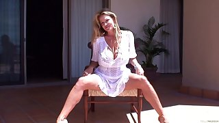 Kelly Madison takes off her panties for a injure game