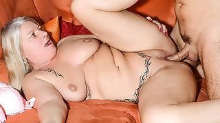 HITZEFREI German MILF has her pussy stuffed