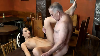 Old man fuck anal and young kissing first time saw his