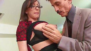 Nasty secretary Jennifer White fucks boss at work